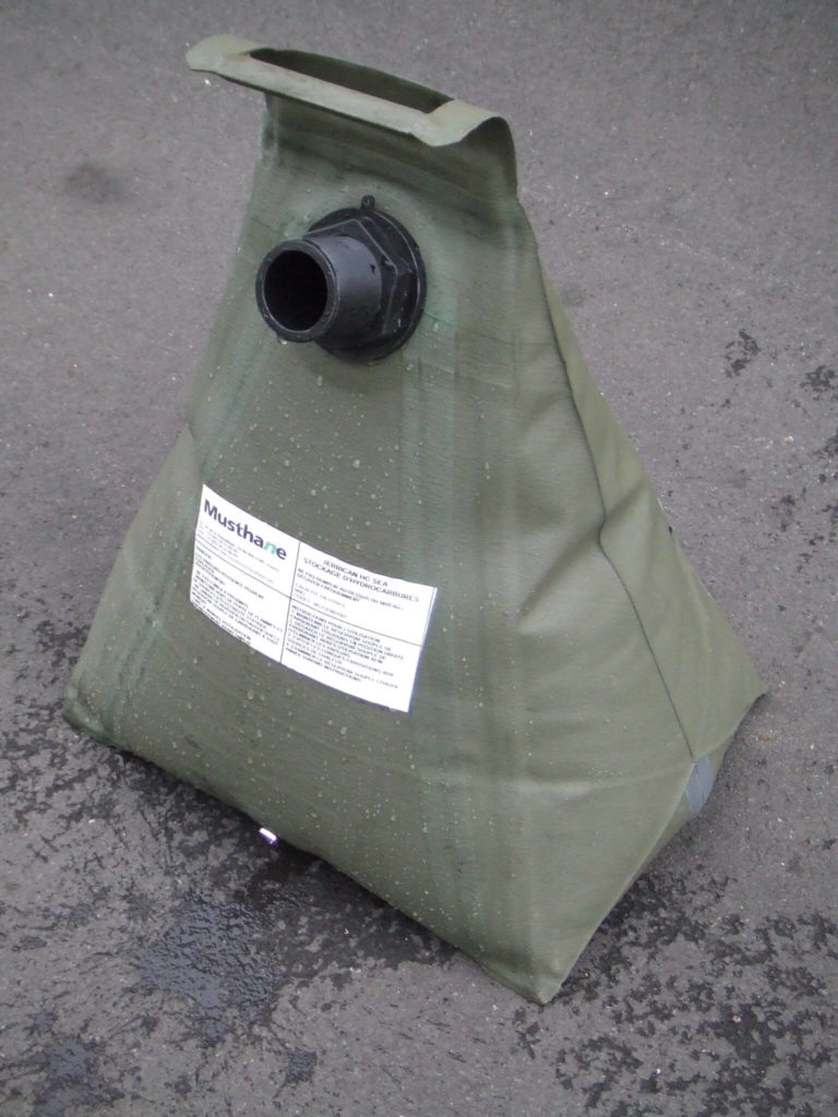 Fuel jerrycan