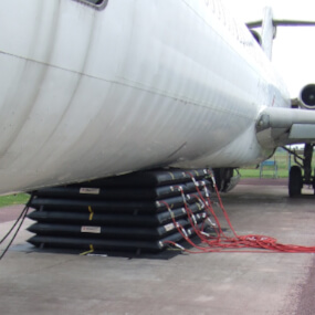 Recovery aircraft lifting bag