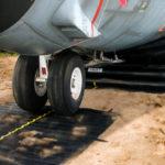 Aircraft recovery equipment, mats, lifting bags