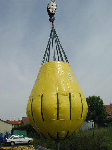 Underwater lifting bags